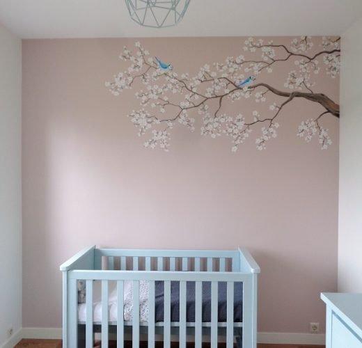 bloesemtak muurschildering babykamer