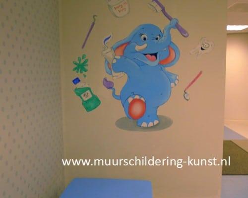 muurschildering wachtkamer