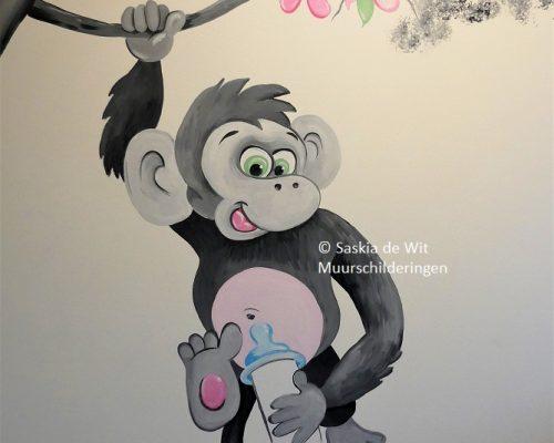 aapje muurschildering kinderkamer